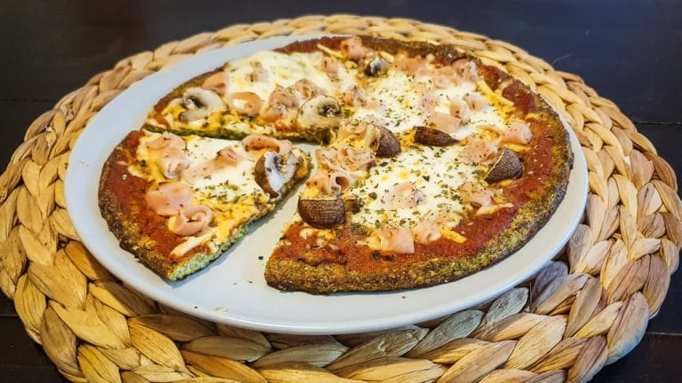 Pizza FIT con base de brócoli​