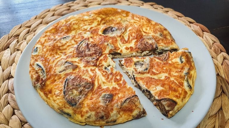 Tortilla de berenjena y queso crema