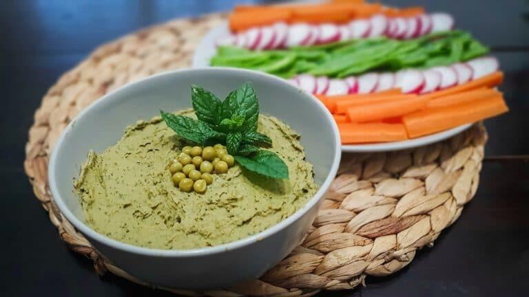 Hummus de guisantes y menta