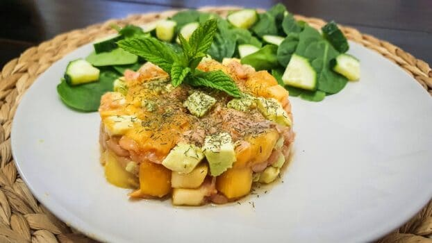 Tartar de salmón, aguacate y manzana